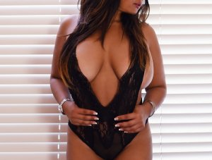 Khatima erotic massage in Gainesville Texas