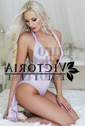 Polina erotic massage in Satellite Beach