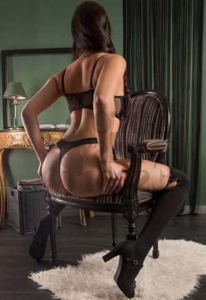 Marie-anaïs erotic massage in Mansfield