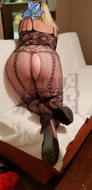 Christaline tantra massage in Bluefield
