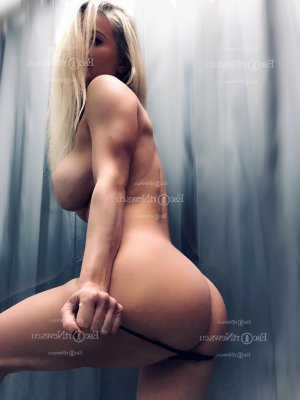 Nathalia erotic massage in San Benito