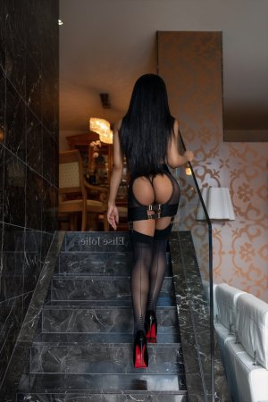 Anastassia nuru massage in Garden City Kansas